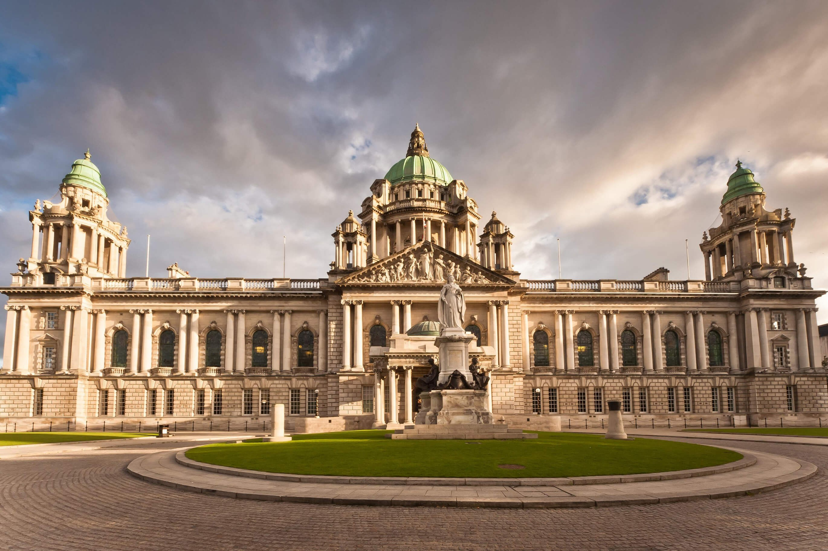 Belfast City & Titanic Museum Day Tour